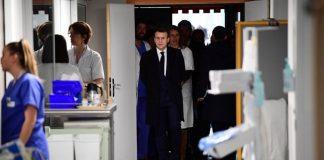 Emmanuel Macron en visite à la Pitié-Salpêtrière (détail)