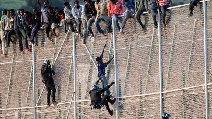 Europe: Un feu vert aux expulsions express de migrants