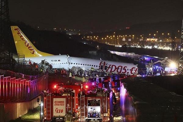 Istanbul: trois morts dans l'accident d'un avion