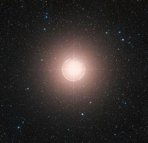 La luminosité de l'étoile Bételgeuse faiblit encore (détail)