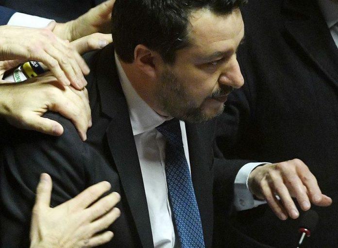 Matteo Salvini devant la justice pour avoir bloqué un bateau de migrants (détail)