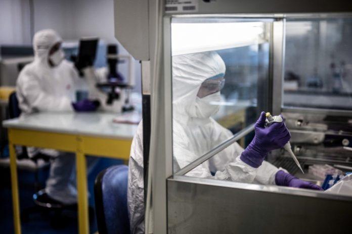 Covid-19 : le vaccin Pfizer/BioNTech approuvé pour une utilisation au Royaume-Uni (détail)