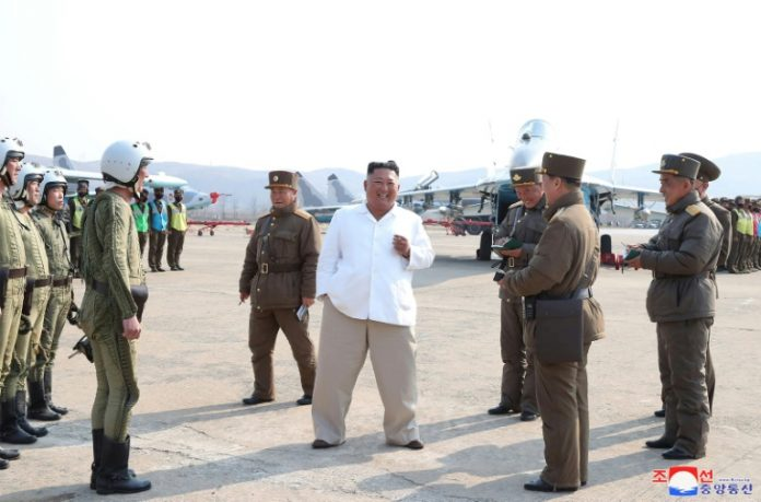 Kim Jong-un est « vivant et en bonne santé », selon Séoul (détail)