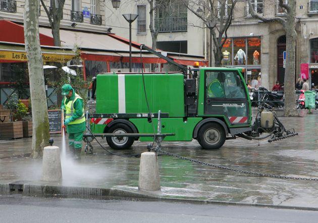 Traces de coronavirus dans l'eau non potable à Paris (détail)