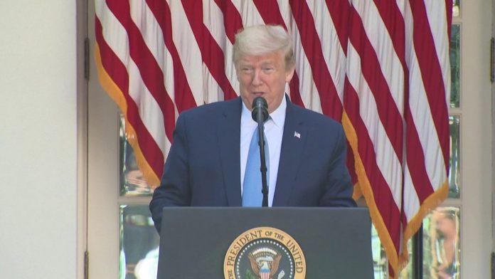 Le discours de Trump perturbé par des klaxons de chauffeurs routiers