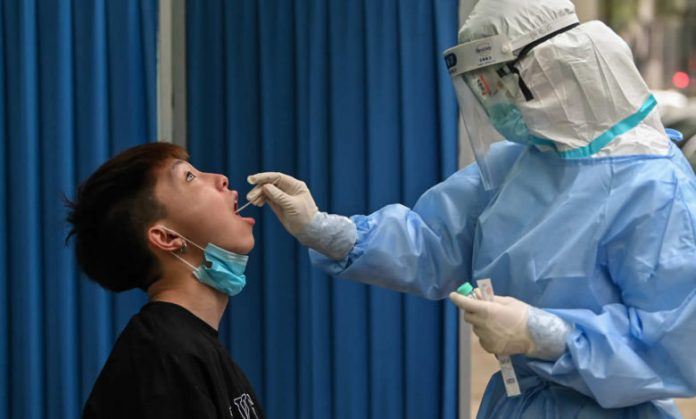 OMS: Le coronavirus pourrait ne jamais disparaître (détail)