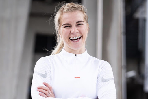 Ada Hegerberg signe un contrat record chez Nike (détail)