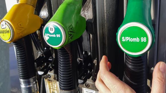 Carburants : les prix repartent à la hausse en france