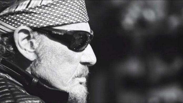 Johnny Hallyday: son dernier road-trip à moto sortira au cinéma (détail)