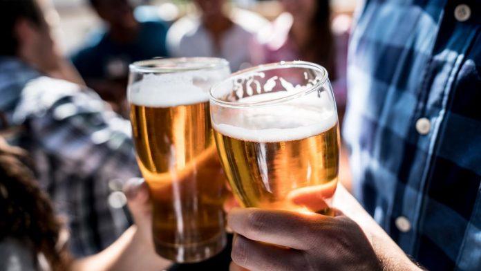 Le médicament contre l'alcoolisme Baclocur suspendu (détail)