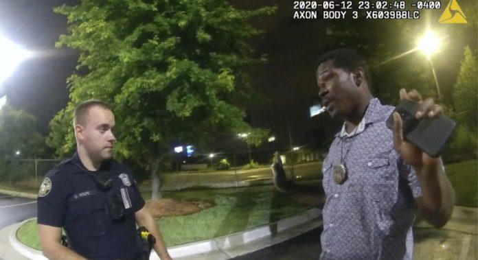 Mort de Rayshard Brooks : Un ex-policier blanc inculpé de meurtre