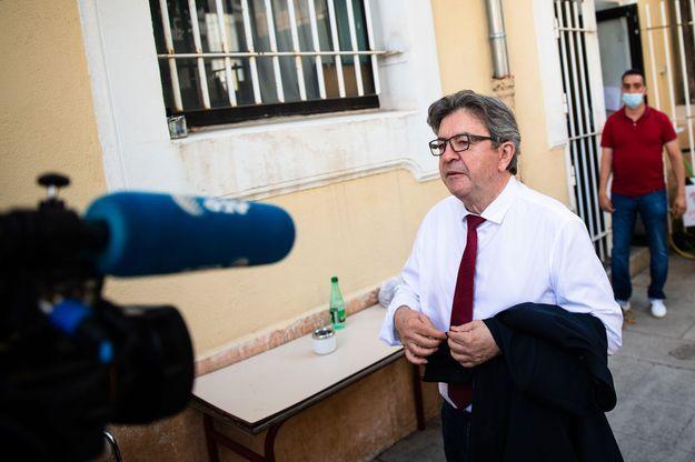 Municipales : Mélenchon voit dans l'abstention une
