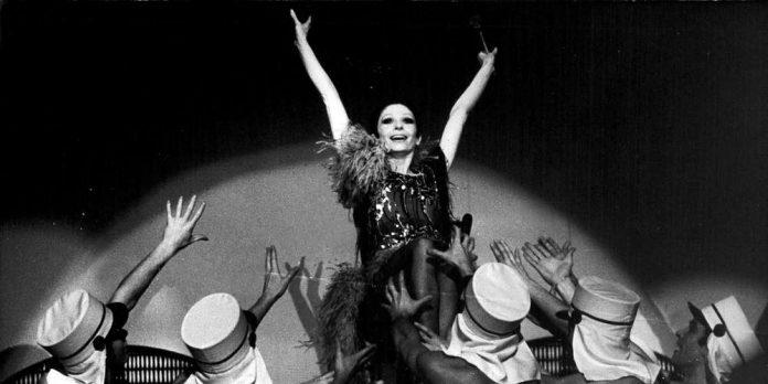Zizi Jeanmaire est morte à l'âge de 96 ans, elle était l'interprète de « Mon truc en plumes »