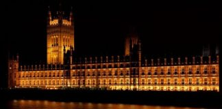 Royaume-Uni : un ex-ministre britannique arrêté (détail)