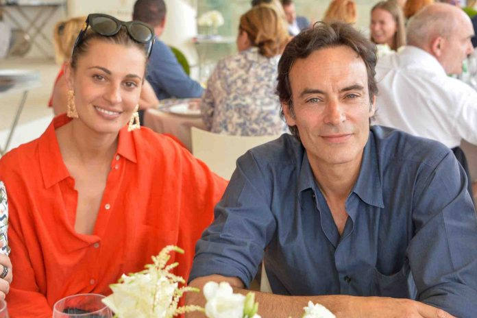 Anthony Delon et Sveva Alviti, fiançailles à l'italienne (détail)