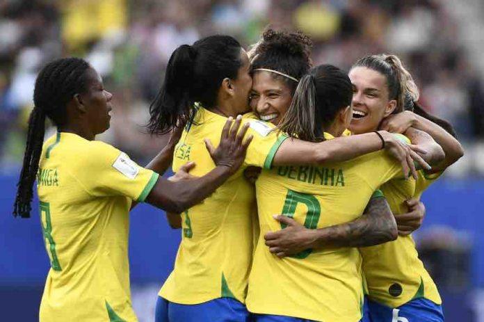 Brésil : les footballeuses remportent l'égalité salariale
