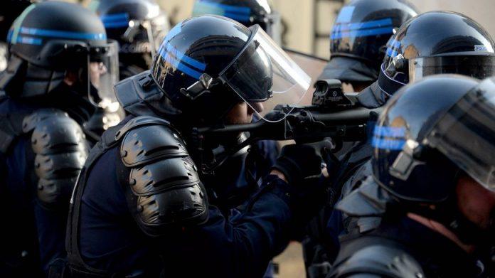 Maintien de l'ordre : une nouvelle grenade, l'usage du LBD plus encadré (détail)