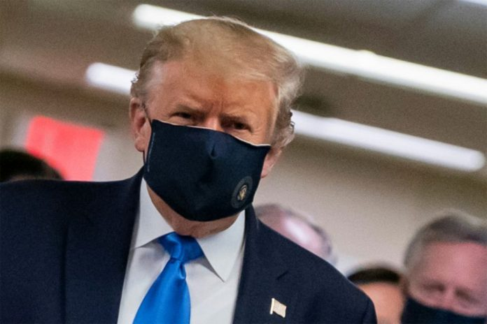 Trump a sciemment minimisé la menace de la COVID-19 (détail)