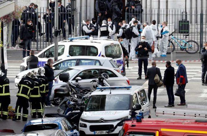 Attaque de Nice en direct : l'Eglise catholique dénonce un «acte innommable»