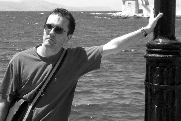 Samuel Paty : Un millier de personnes en hommage au professeur décapité