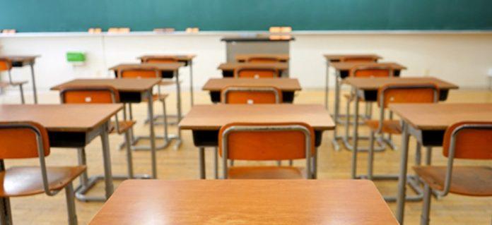 Coronavirus France en direct : 64 écoles, collèges et lycées fermés