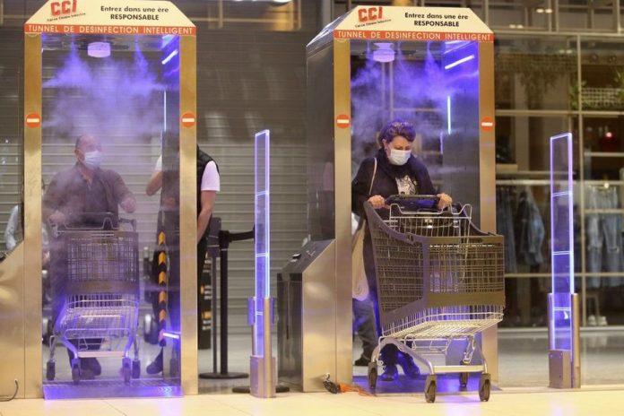 Coronavirus en Corse : un hypermarché installe des «tunnels de désinfection»