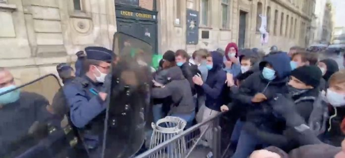 Coronavirus France : des blocages dans plusieurs lycées pour demander un protocole sanitaire plus strict
