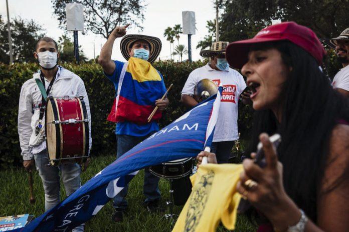Elections américaines 2020 en direct : Donald Trump réussit à séduire les Latino-Américains