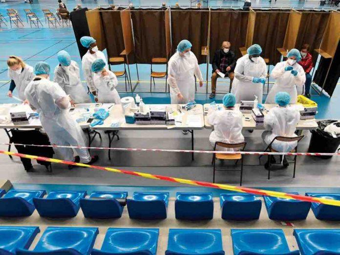 Coronavirus France en direct : quelques jours avant Noël, la ruée sur les tests a débuté