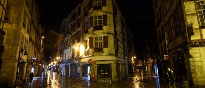 Reconfinement en France : rien ne sera décidé avant mercredi assure l'Élysée