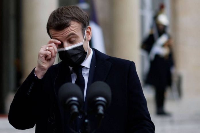 Emmanuel Macron à des proches sur la campagne de vaccination :