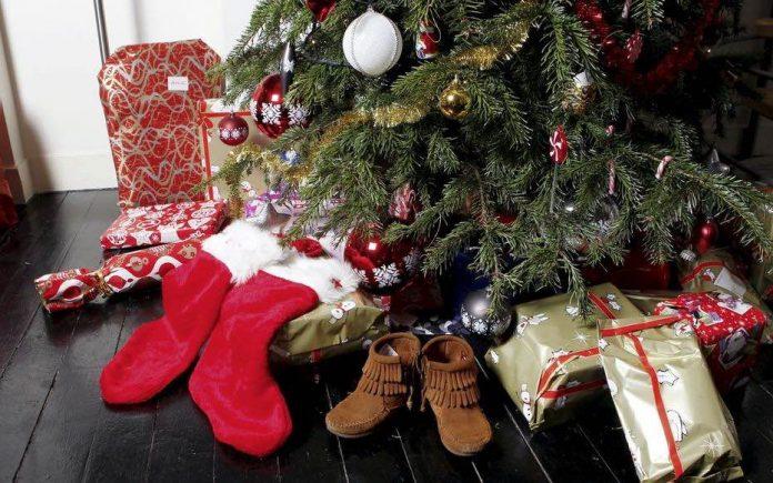 Covid et Fêtes de fin d'année : comment passer un Noël en famille et en sécurité ?