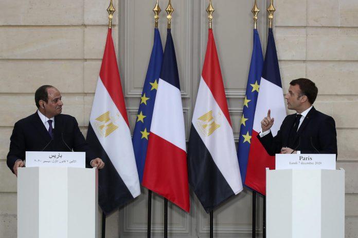 Echange tendu entre Emmanuel Macron et al-Sissi sur la question des caricatures (VIDEO)
