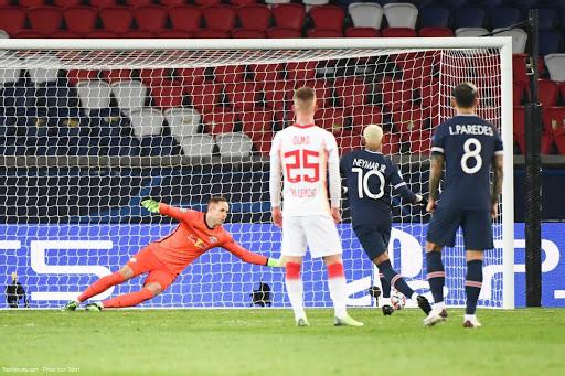 Le PSG se qualifie facilement pour les huitièmes de finale de la Ligue des champions