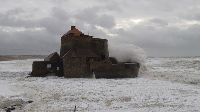 Tempête Bella : des rafales de vent jusqu'à 120 km/h attendues ce week-end (détail)