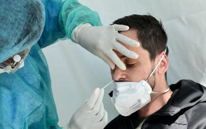 Tests Covid en France : c'est parti pour les premiers dépistages massifs