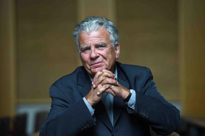 Affaire Olivier Duhamel : un proche savait tout et affirme