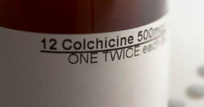 Ce que l'on sait sur la colchicine : ce médicament qui réduirait le risque de complications ?