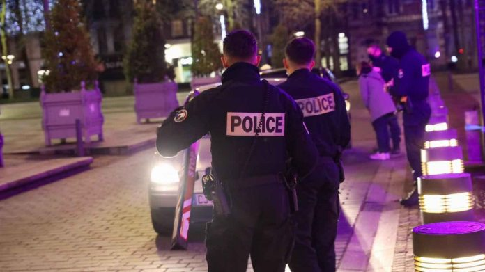 Coronavirus France en direct : Couvre-feu à 18h, les départements concernés dévoilés aujourd'hui