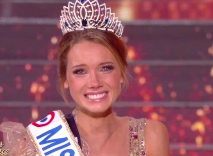 Miss France 2021 : Amandine Petit mystérieuse, évoque sa vie amoureuse