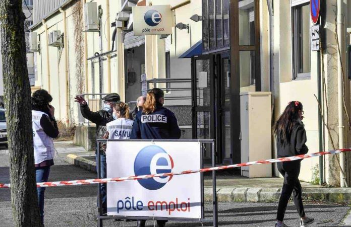 Une conseillère Pôle emploi et une DRH tuées par balle à Valence