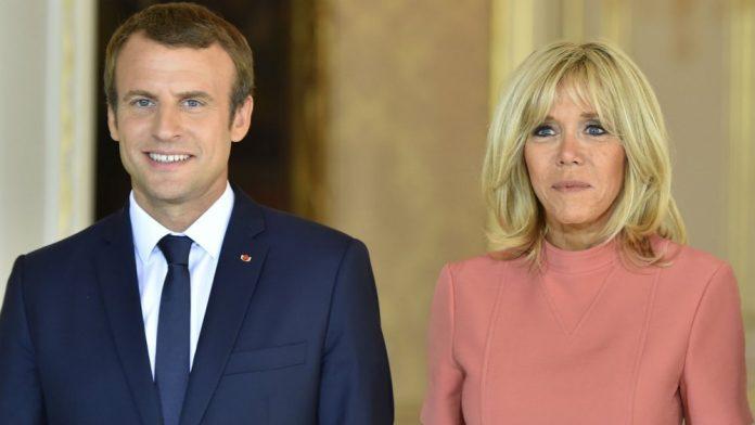 Emmanuel Macron enfant aux côtés de Brigitte Macron et son ex-mari : cette photo troublante qui fait polémique