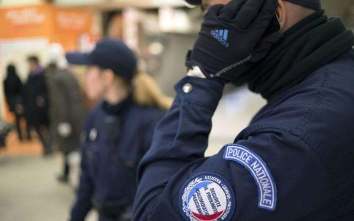 Essonne : Une collégienne de 14 ans tuée d'un coup de couteau lors d'une bagarre entre bandes (détail)