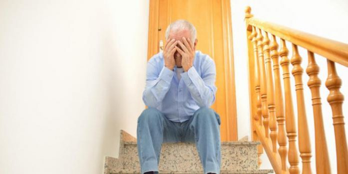 Il voulait vendre sa maison pour rejoindre sa femme Odile en maison de retraite: la colère de Roland, 88 ans, victime de squatteurs
