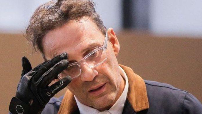 Julien Courbet en deuil : l'animateur adresse un émouvant message aux internautes qui l'ont soutenu