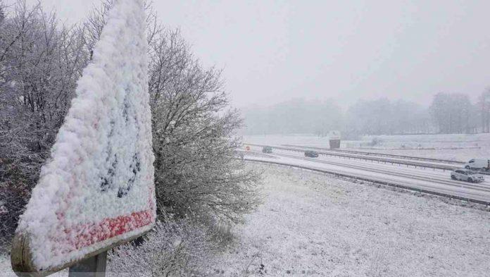 Météo : 34 départements toujours en vigilance orange pour la neige, le grand froid et les crues