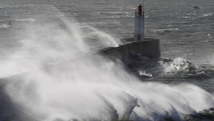 Morbihan : Une jeune femme de 22 ans meurt emportée par une vague (détail)