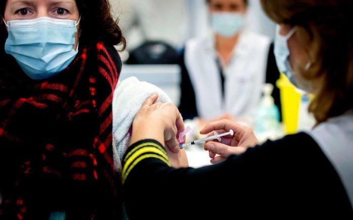 Que sait-on de l'efficacité des vaccins contre les variants britannique et sud-africain?