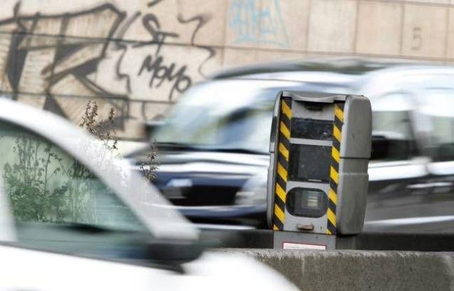Strasbourg : un radar fou flashe toutes les voitures (VIDEO)