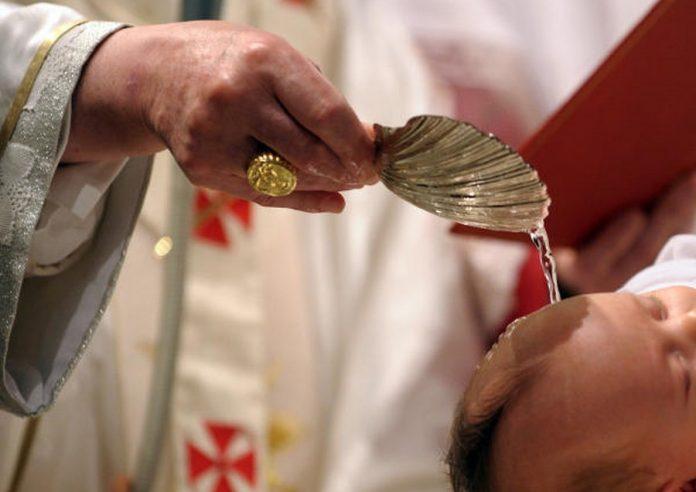 Un baptême mortel secoue la Roumanie (détail)